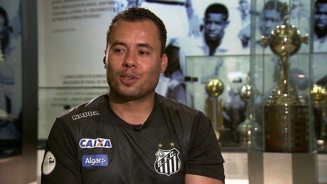 BLOG: Introducing Jair Ventura to the world: FootBrazil levou o técnico para um tour na cidade de Santos