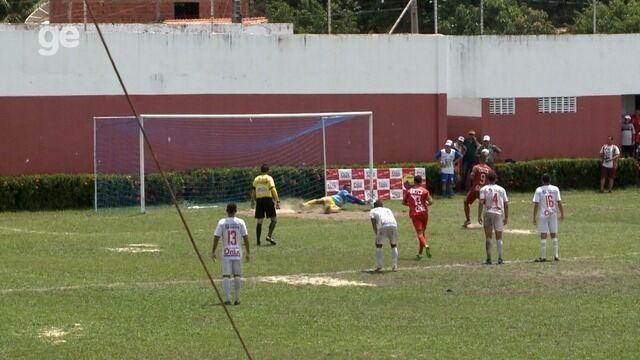 Raphael Freitas perde pênalti, goleiro Lenon defende e chora após lance
