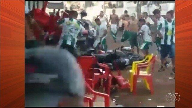 Torcida do Goiás se envolvem em confusão em Iporá