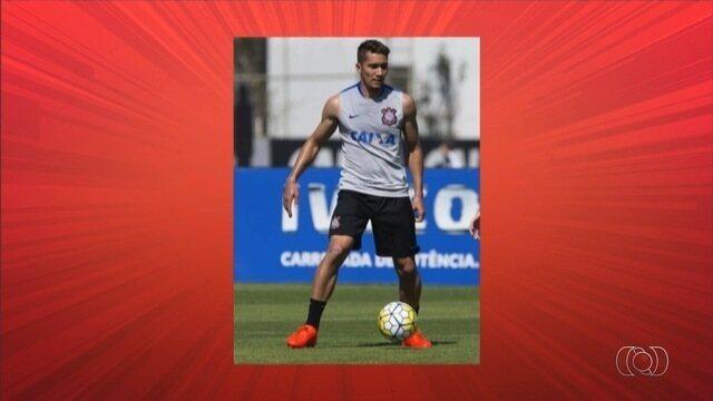 Atlético-GO contrata Warian e negocia com Jean, também do Corinthians