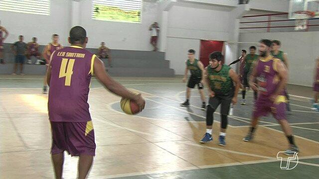 Liga de Basquete de Santarém reúne amantes do esporte no ginásio da Escola Tecnológica