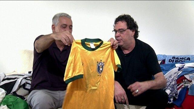 Casagrande mostra coleção de camisas de futebol