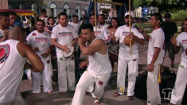 Grupo de capoeiristas realiza batizado e divulga movimento na região oeste do Pará