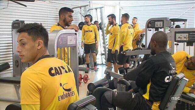 Com semana livre, Criciúma recupera atletas e mira confronto diante do Coritiba