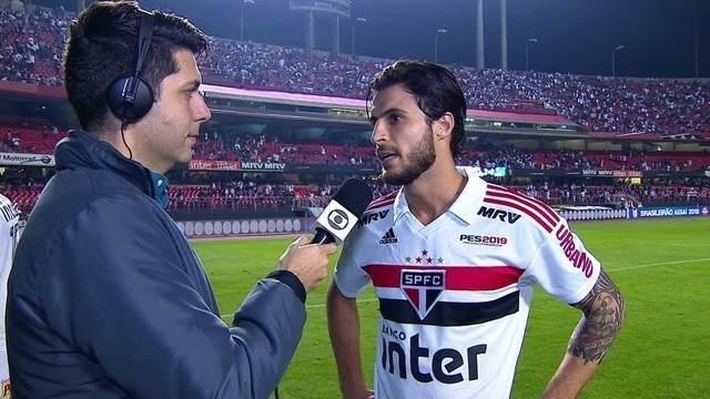 """Hudson comemora momento do São Paulo na liderança: """"É continuar nessa batida"""""""