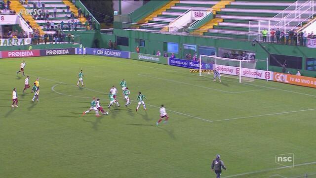 Em jogo abaixo, Chape perde para o Fluminense e entra na zona de rebaixamento