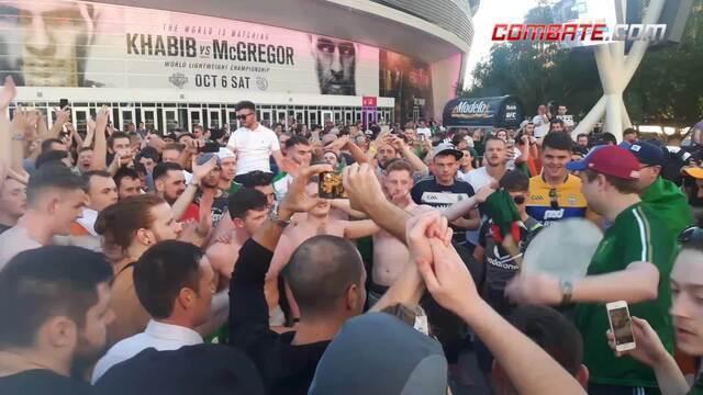 Torcida irlandesa invade Las Vegas e faz festa para McGregor