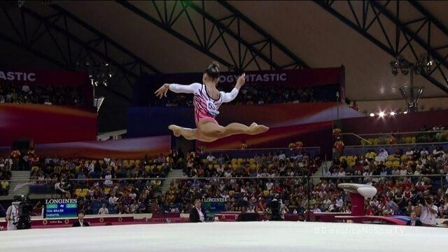 Flavia Saraiva se apresenta no solo na final do Mundial de Ginástica