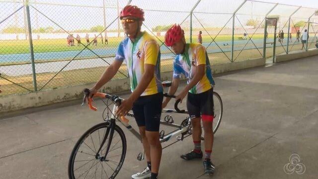 Jovem de 20 anos do AP que é cego se prepara para o campeonato brasileiro de paraciclismo
