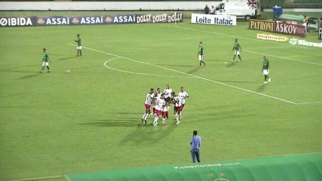 Daniel Pereira brinca ao narrar gol incrível do RB