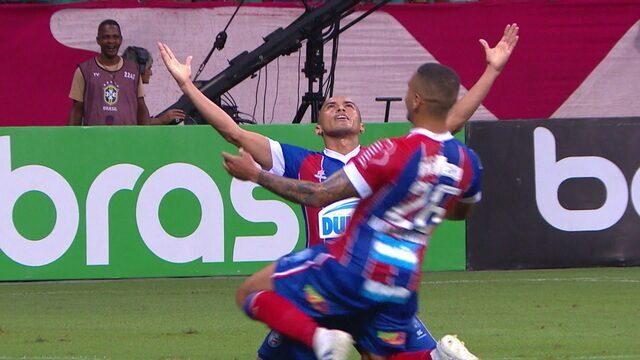 Gol do Bahia! Gilberto cruza e Nino Paraíba aumenta aos 28 do 1º tempo