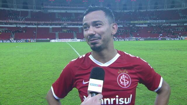 """Lindoso comenta primeiro gol pela camisa do Inter: """"Tava na hora de sair"""""""