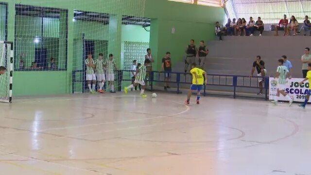 Finalistas do futsal na fase municipal dos Jogos Escolares estão definidos; finais dia 25