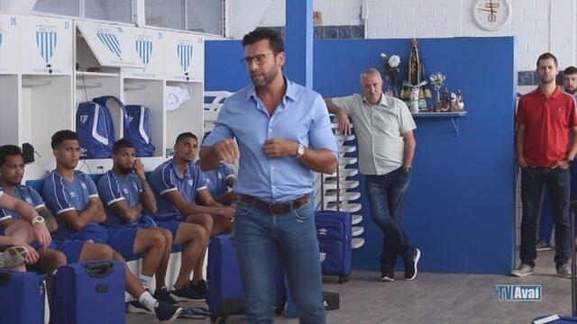 Avaí divulga vídeo de apresentação de Alberto Valentim aos jogadores