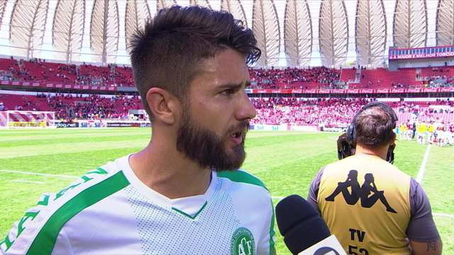 """Everaldo diz: """"Infelizmente tomamos um gol, mérito deles. Agora é trabalhar"""""""