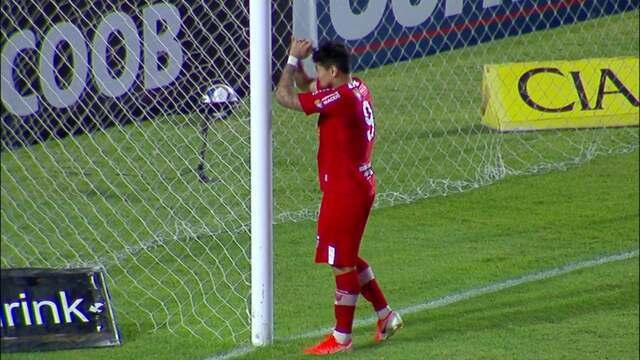 Perdeu! Léo Ceará manda de cabeça por cima do gol e perde grande oportunidade para o CRB