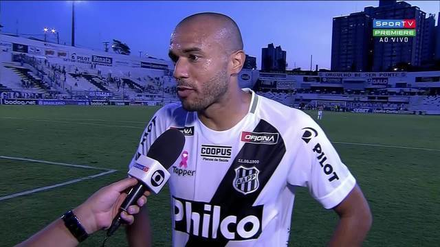 Fala, Roger. Atacante analisa empate da Ponte contra o Bragantino
