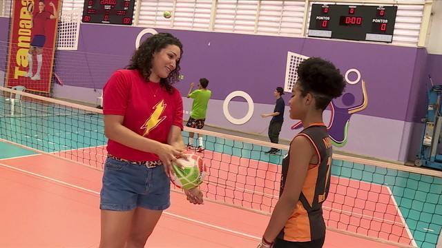 Tandara inspira jovem atleta de vôlei