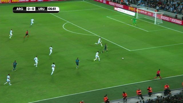 Messi tocs de letra para De Paul, aos 06' do 1º tempo