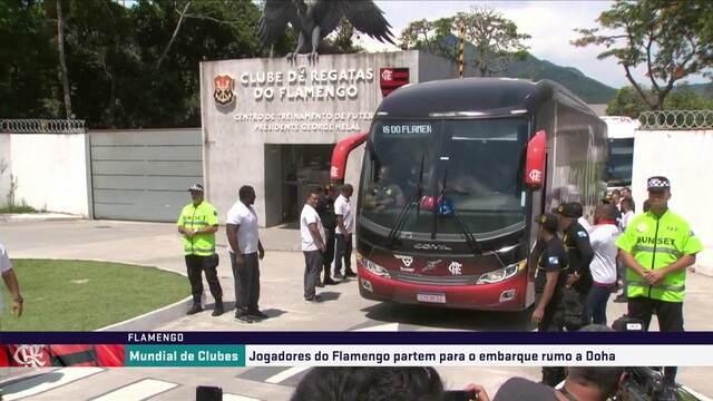 Ônibus do Flamengo parte em direção ao aeroporto