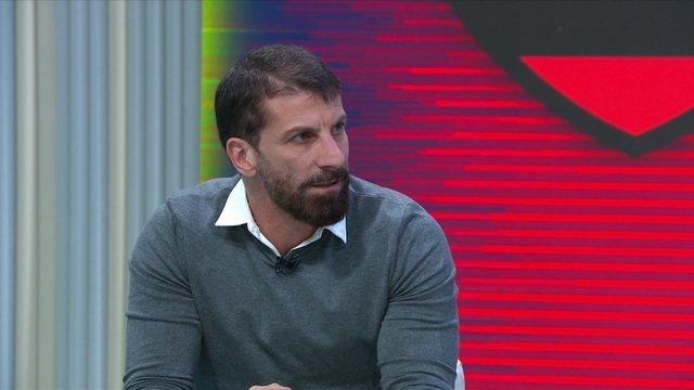 """Pedrinho afirma: """"Acho que eles estão começando a perceber a dimensão do que é ser campeão mundial"""""""