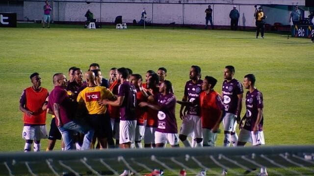 Polêmica toma conta de jogo entre Caxias do Sul e Botafogo pela Copa do Brasil