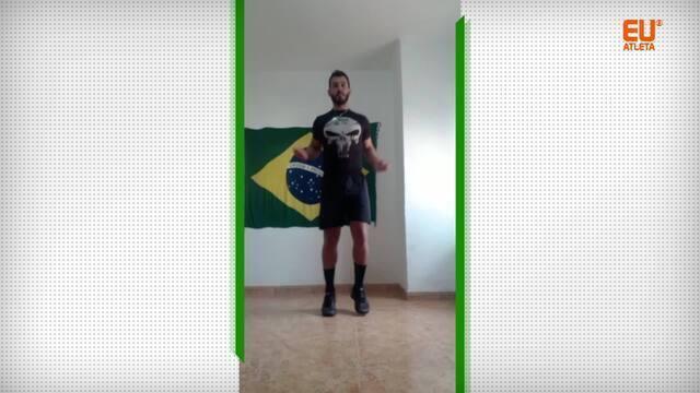 Personal trainer Carlos Ricciotti dá aula de método Tabata