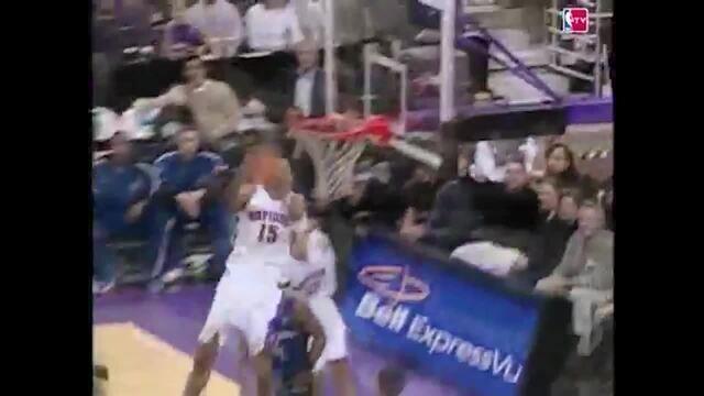 A enterrada de Vince Carter, de costas, contra o Wizards, em 2000