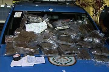 Military Police acting on an anonymous tip seize 220 kilos of marijuana at an apartment in Recreio, Rio de Janeiro.