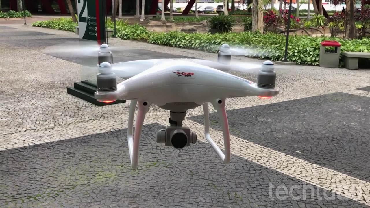 Testa do drone Phantom 4 mostra recursos como o Active Track e detecção de obstáculos