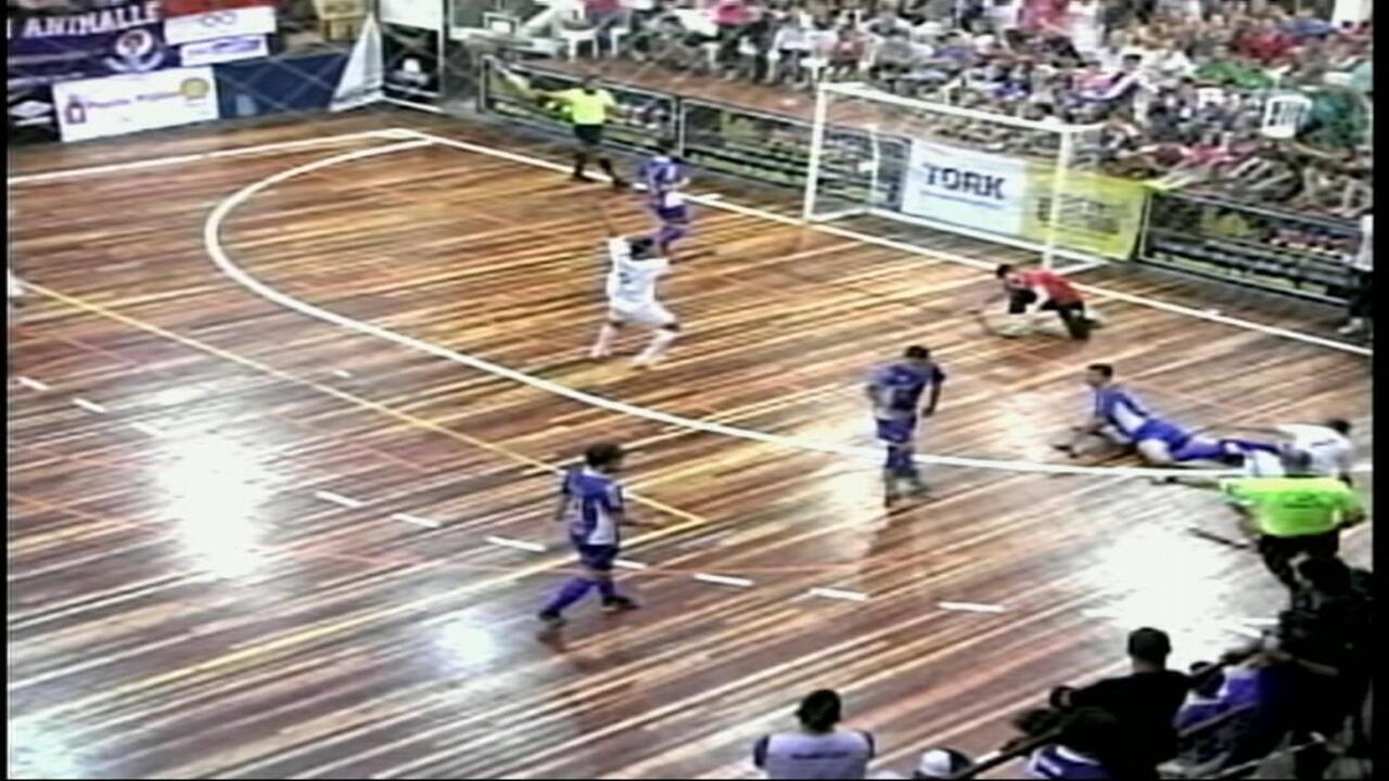 Uruguaianense vence em casa e disputa o título em Parobé 76ad5f6857b22