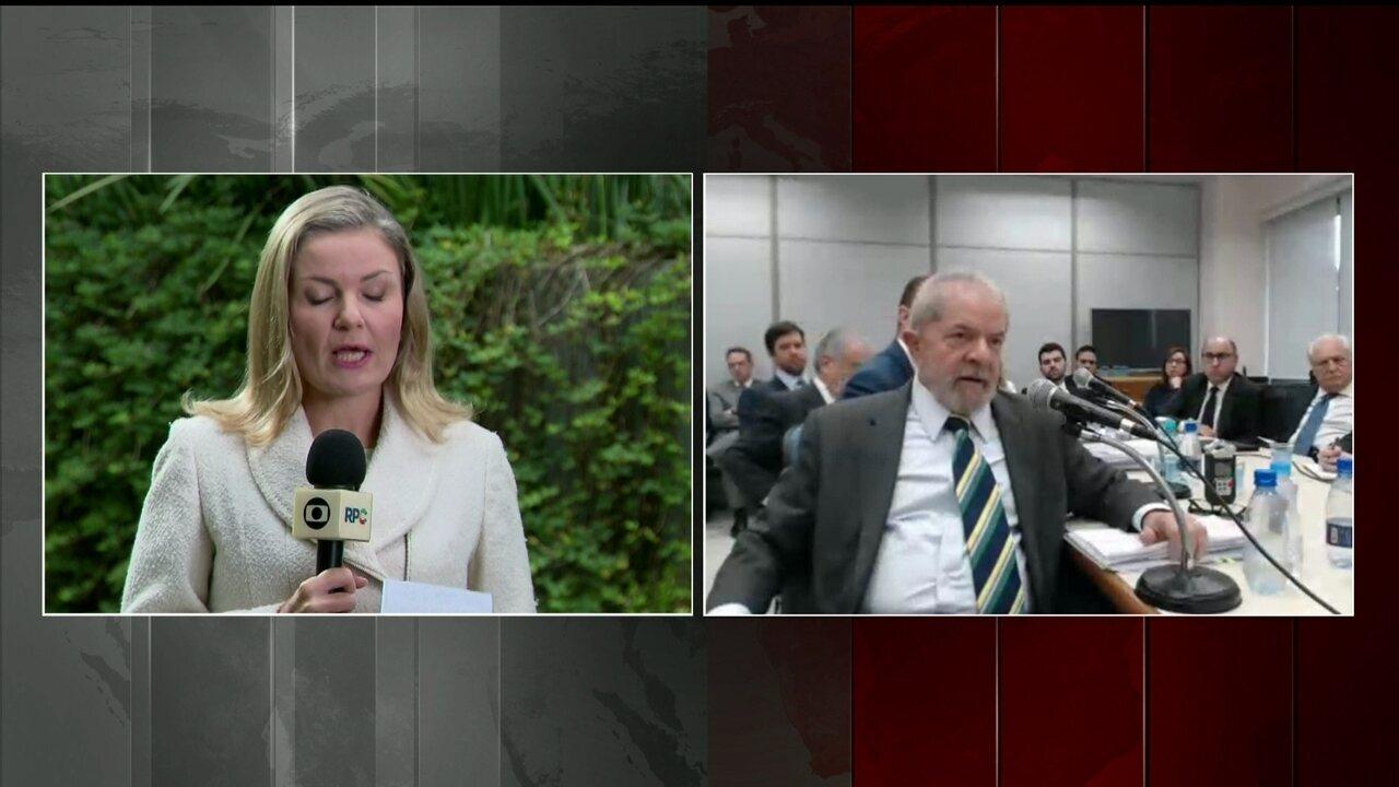 Procuradores mostram documentos com reuniões e viagens de Lula com diretores da Petrobras