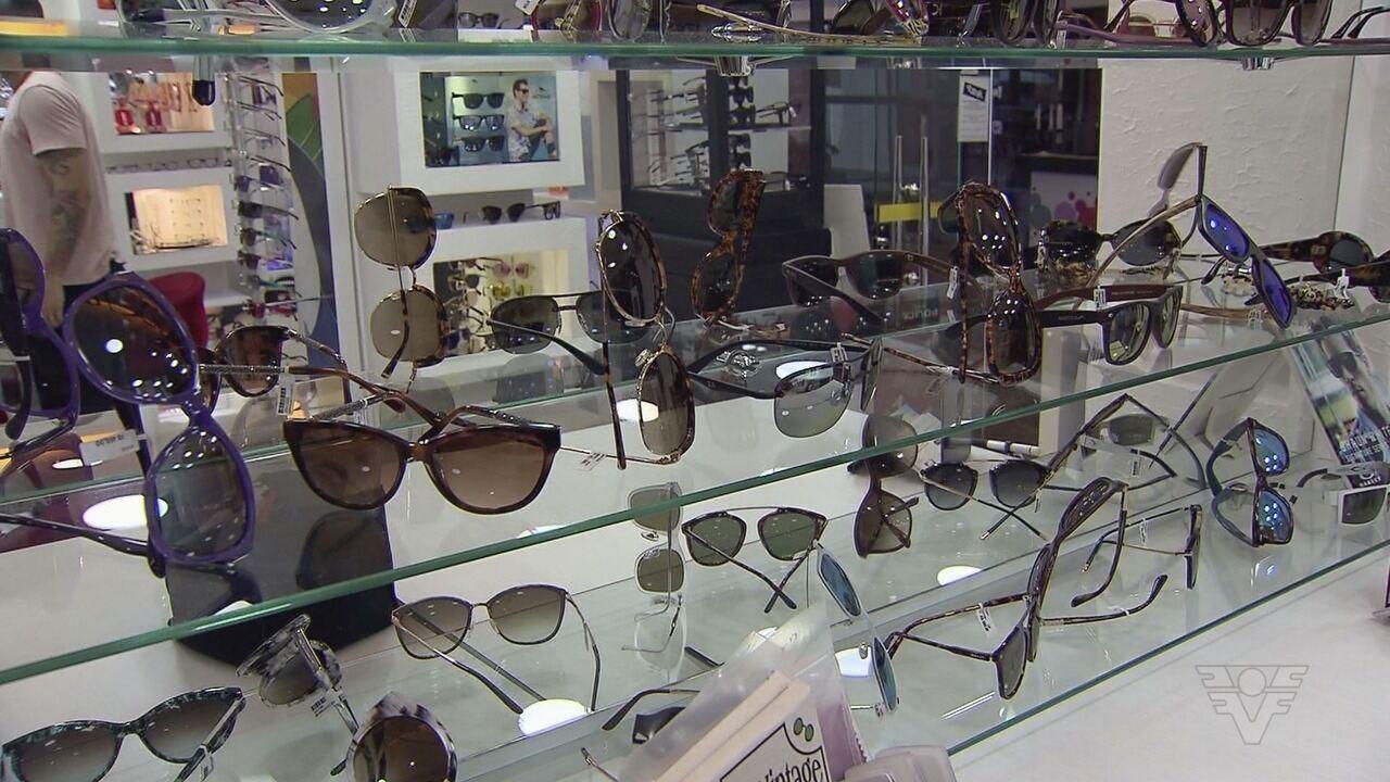7893f59152188 Óculos de sol protegem no verão - G1 São Paulo - Vídeos - Catálogo de Vídeos