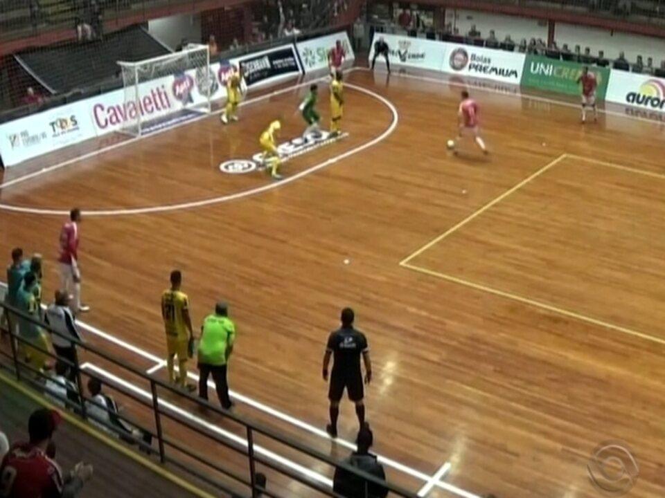 Atlântico vence a Assoeva pela Liga Gaúcha de Futsal - G1 Rio Grande do Sul  - Jornal do Almoço - Catálogo de Vídeos 345c67592cb5b