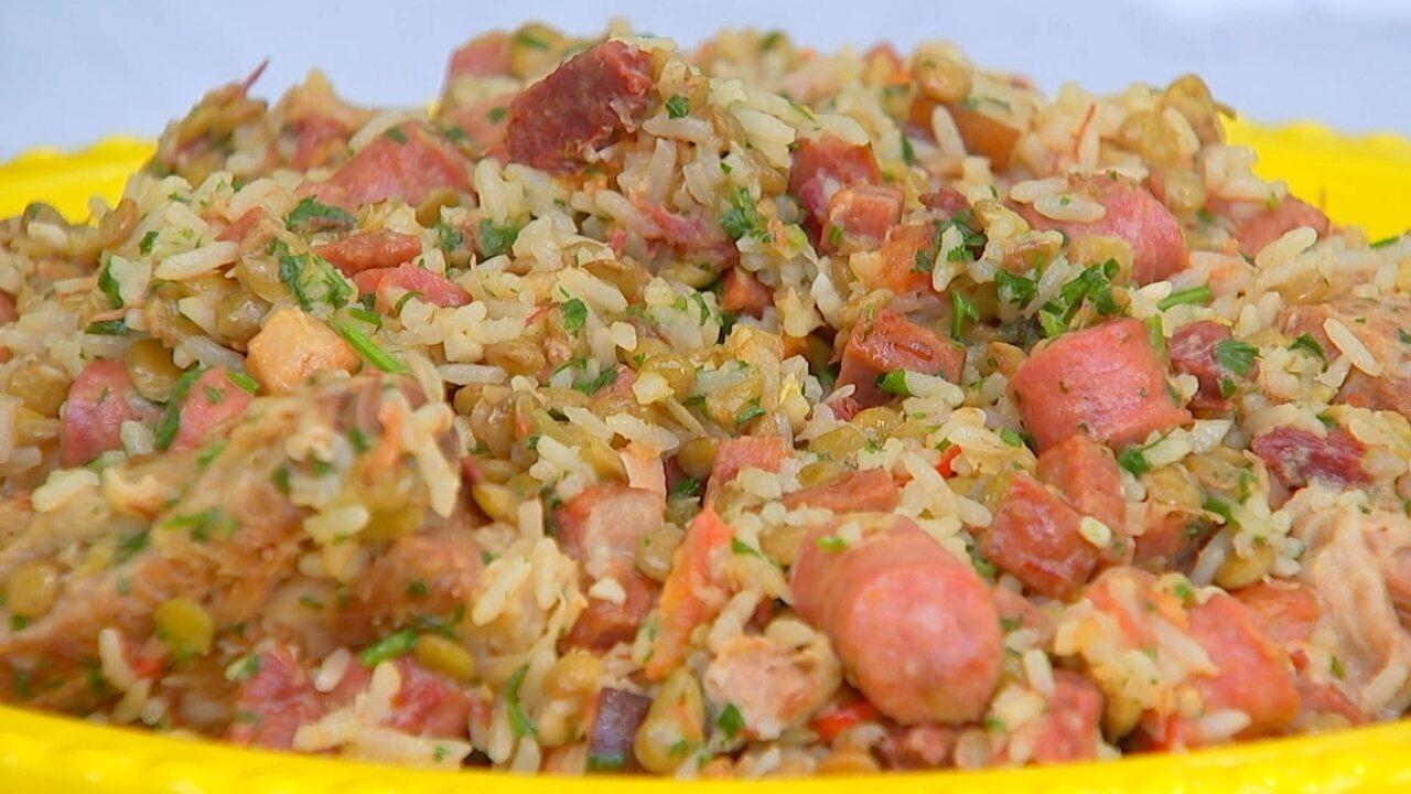 Aprenda a fazer um arroz carreteiro com lentilha - G1 Bauru