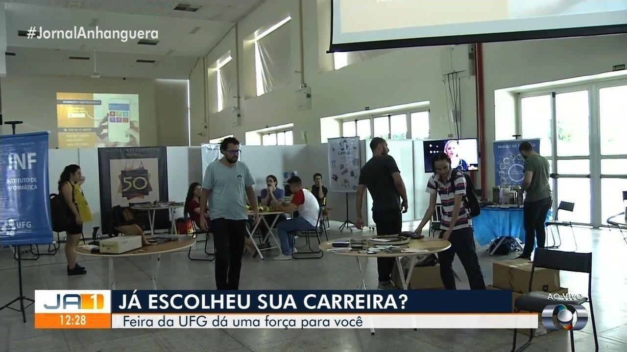 fd96fb102 Feira da UFG apresenta detalhes de várias profissões para ajudar estudantes  - G1 Goiás - Vídeos - Catálogo de Vídeos