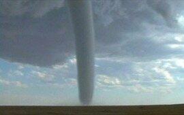 Tornado leva 'Vigilantes do Clima' para Uberlândia