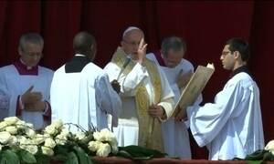Papa Francisco celebra missa de Páscoa para milhares de fiéis na Praça São Pedro
