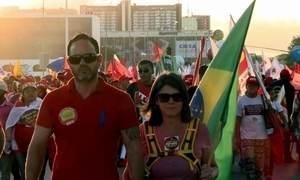 Clima é de tensão em Brasília durante sessões da comissão do impeachment
