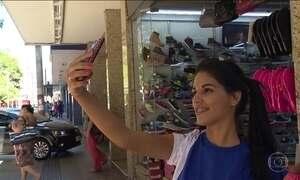 Distração na hora da 'selfie' favorece roubo de celular em São Paulo