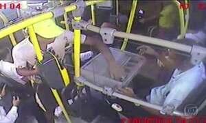 Onda de assaltos a ônibus assusta moradores do Grande Recife