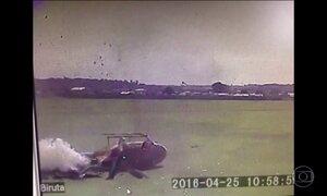 Helicóptero dos bombeiros sofre acidente ao decolar no Paraná