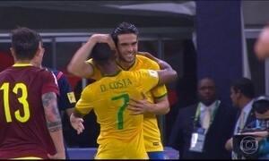 Kaká vai substituir Douglas Costa na Copa América