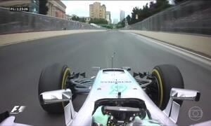 Pilotos da F1 correm pela primeira vez no desafiador circuito do Azerbaijão