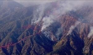 Incêndios florestais atingem arredores de Los Angeles