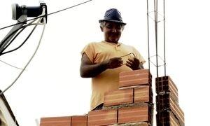 Casas sempre estão em obras na periferia da zona sul de São Paulo