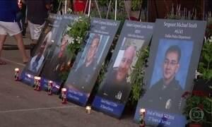 Obama participa de funeral de policiais mortos por atirador