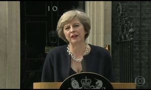 Thereza May, nova premiê do Reino Unido, promete unir o país dividido pela política