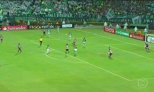 São Paulo perde e está fora da Libertadores