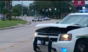 Três policiais são mortos e outros três ficaram feridos, neste domingo (17), nos EUA